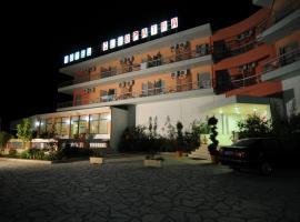 Cleopatra Hotel, ξενοδοχείο στο Κανάλι