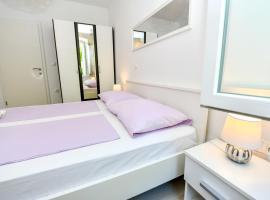 Mila Apartment, room in Sinj