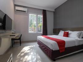 RedDoorz near Goa Sunyaragi, hotel in Cirebon