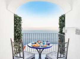 La Divina Amalfi Coast, hotel in Praiano