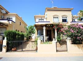 Best House Golden Zenia, Ferienunterkunft in Playa Flamenca