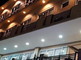 One Platinum Hotel, hotel in Daet