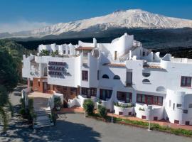 Assinos Palace Hotel, hotell i Giardini Naxos