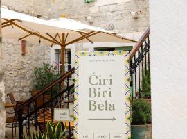 Ćiri Biri Bela boutique hostel, hotel near Split Archaeological Museum, Split