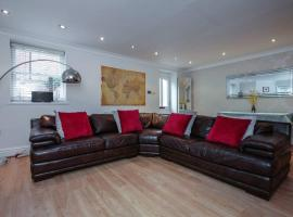 Self Contained Sefton Park Apt - Private Entrance, hotel near Sefton Park Palm House, Liverpool