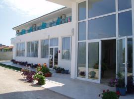 Семеен Хотел Сани, хотел в Бяла