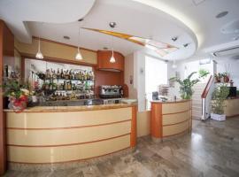 Hotel Zurigo, hotel a Rimini, Rivazzurra