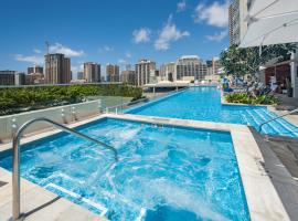 Real Select at The Ritz-Carlton Residences, Waikiki Beach, отель в Гонолулу