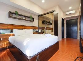 Luxurious Studio Apartment at Casa De Parco By Travelio, hotel in Samporo