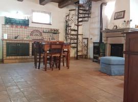 Rifugio di campagna, hotel with pools in Vitorchiano