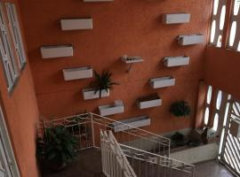 Host well, guest house in Guarulhos