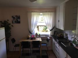 Koselig to roms leilighet, Ferienwohnung in Vennesla