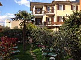 Hotel Erika, hotel in Malcesine