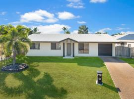 3 bedroom home, hotel near Riverway, Ross River