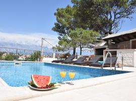 Villa Sky, beach hotel in Selca