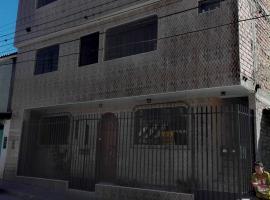 Casa Salazar, guest house in Caraz