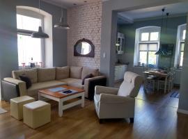 Apartament w centrum w zabytkowej kamienicy, hotel near Kolorowa Ski Lift, Karpacz