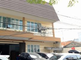 Kamar Keluarga Tanjung Duren, hotel in Jakarta