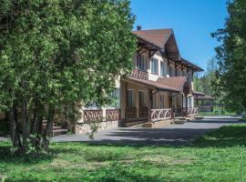 Aktiv-Hotel Iskra, hotel near New Jerusalem Monastery, Petrovskoye