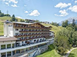 Familienhotel Christoph, hotel in Ellmau