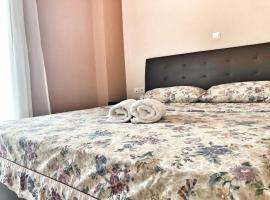 Pireaus Port Cosy apartment Wifi AC, pet-friendly hotel in Piraeus