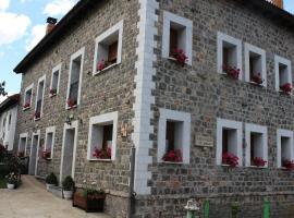 Casa Rural El Pinar, casa rural en Acebedo