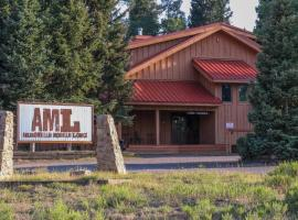 Arrowhead Mountain Lodge, hotel in Cimarron