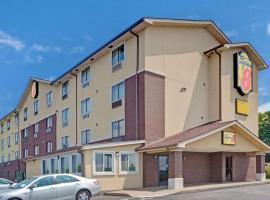 Super 8 by Wyndham Nashville/ Dntn/ Opryland Area, hotel in East Nashville, Nashville