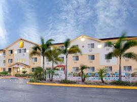 Super 8 by Wyndham Clearwater/St. Petersburg Airport, hotel in Clearwater