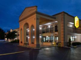 Super 8 by Wyndham Knoxville West/Farragut, hotel in Knoxville