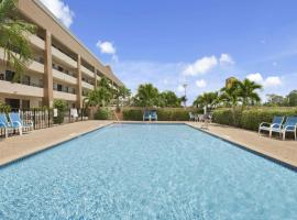 Super 8 by Wyndham Fort Myers, hotel in Fort Myers