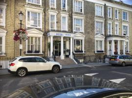 Boka Hotel, hotel near Stamford Bridge - Chelsea FC, London