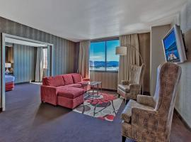 GSR Deluxe Parlor Suite - 2 Bedroom - Very Large - Sleeps 8, hotel in Reno