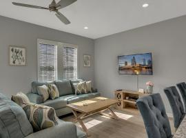 New 3/2 Duplex Minutes From Heart of Tampa -Unit B, apartment in Tampa