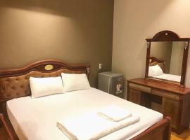 Van Trang Hotel, khách sạn ở Vĩnh Long