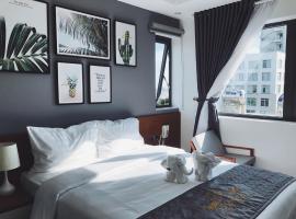 Dang's Hotel, hotel near Dragon Bridge, Da Nang