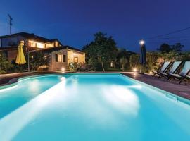 Holiday Home VIlla Lavarino Royal, vacation rental in Loborika