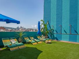 Chic & Basic Velvet, hotel near Magic Fountain of Montjuic, Barcelona