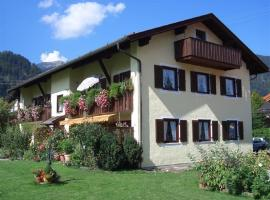 Fantasie, pet-friendly hotel in Farchant