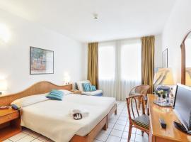 Hotel Yacht Club, hotel near Cabinovia Monte Capanne, Marciana Marina