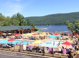 Scotty's Lakeside Resort, hotel in Lake George