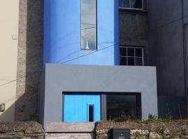 The skinny house, apartment in Kinsale