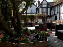 Tudor Lodge Hotel, hotel near Eastcote, Harrow