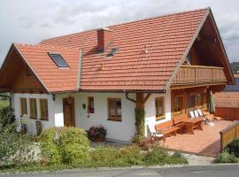 Weinhof Gästehaus Radl, Golfhotel in Klöch