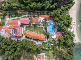 Porfi Beach Hotel: Nikiti'de bir otel