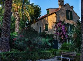 Villa Cindro House, hotel with jacuzzis in Podstrana