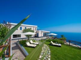Villa Paradise Resort, hotel in zona Cantine Marisa Cuomo, Agerola