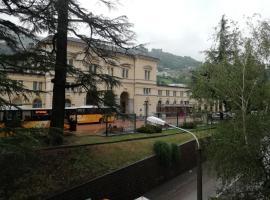 Colosseum, hotel in Bellinzona