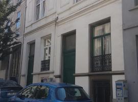 Chambre quartier européen, zelfstandige accommodatie in Brussel