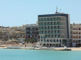 Water's Edge Hotel, hotel in Birżebbuġa